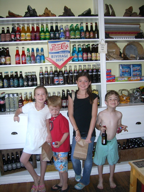 Old_fashioned_store